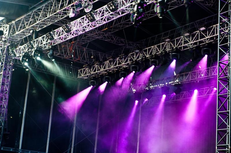 2067039-purple-stage